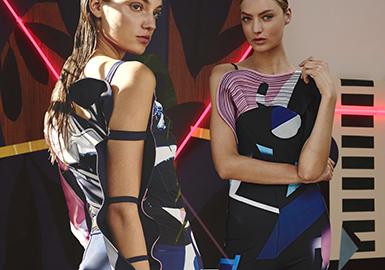 "Angelys Balek 打造出富有故事感的服装。泰国设计师于 2009 年推出了同名品牌,融合艺术和设计背 景,营造出迷人柔美审美。""生活中没有什么比探索艺术更浪漫的了。"" Angelys Balek踏上新的冒险之旅,推出泳装系列和首个运动线,它融合了该品牌的标志性印花。结合自然、艺术与时尚,打造活力、热情且独特的系列,邀请所有女性进入Angelys Balek自然主义且包罗万象的微观世界,称之为ABworld(AB的世界)。"