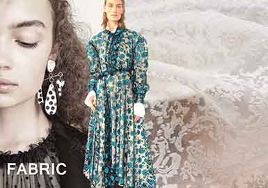 在2018早秋秀場系列中,蕾絲面料以多種樣式出現,花卉刺繡、珠片繡花與彩色織造蕾絲在延續以往風格的同時,突出了蕾絲的潮流特質,而絨面在蕾絲中通過爛花或植絨工藝得到更好地應用。