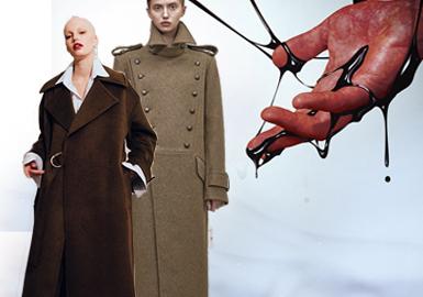 一件合体又有设计感的大衣是你秋冬衣橱里必不可少的单品之一,不管造型还是细节都彰显大气,凸显品位。