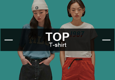 二月份女装款式库中,时?#34892;?#38386;风格的T恤仍占据大部分比重,?#21450;?#20027;要以字母logo为主,动物元素在今年也大放异彩,T恤工艺更加多样化,运用拼接,抽褶等功能时尚的工艺手法。