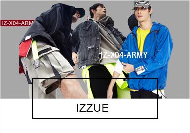 字母印花一直是Izzue的主打元素,本季以軍事戰爭為主題的Slogan成為主要印花方向,WAR IZ OVER!FUTURE IS NOW ISPRESENT IS NOW 等Slogan,充滿積極向上的態度。整個系列以IZ-X04-ARMY的紅底白字的貼布裝飾貫穿其中,不管是裝飾在后頸部,還是口袋側邊,亦或是帽兜和褲腰部位,裝飾性效果極好。