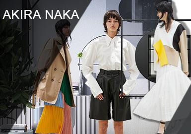 Akira Naka設計師認為服裝是傳達感情的工具,一件好的服裝可以讓你演繹出風度與驕傲以及優雅和尊嚴,一直擅長打造氣質通勤風Akira Naka,此次采用簡易工業風為主,傳達一種女性都市極簡風格調。其中款式主要呈現有外套、小衫、半裙、連衣裙、風衣等等。
