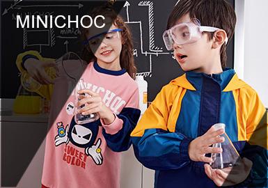 在那灰白的實驗室,冰冷的機器,沉寂的空氣氛圍,一切似乎是冷靜和壓抑。而那些裝載著五顏六色的液體和奇怪物質的器皿里,卻藏著一個豐富而龐大的微生物世界!在19/20秋冬讓我們跟隨中國原創設計師品牌minichoc的CHOC BABY們,一起走進這個奇妙的世界吧。