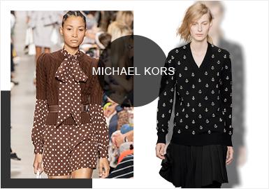 Michael Kors2020春夏系列時裝秀于紐約布魯克林的達格爾溫室精彩上演,摩登元素與1940年代的浪漫復古風潮碰撞,不同個性元素疊加,用經典剪裁詮釋都市風情,率性演繹 Modern Jet Set 新風潮。伴隨著《美國派》的經典旋律,大秀拉開序幕,其中新季的毛衫款式主要運用粗針絞花、菱格、條紋、船錨、荷葉邊、墊肩等元素來展現復古浪漫情懷。
