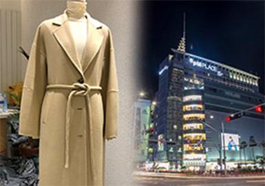 本報告內容來源于韓國批發市場、百貨市場以及知名的買手店和設計師品牌集合店,對其19/20秋冬商品進行整理;以市場內重點單品、工藝、面料等方向進行分析,同時對韓國本土設計師品牌進行推薦。