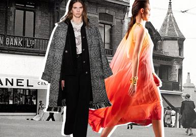 """今年是CHANEL為Métiersd'Art早秋系列舉辦發布會的第十八年。從羅馬到上海,在過去十八年里, Chanel一直游走于全球各個城市,根據當地的文化以及品牌保護的手工藝,來創作一系列接近高級定制標準的成衣。Virginie Viard將這場秀命名為""""31 Rue Cambon"""" ,以回溯品牌創始人Gabrielle Chanel在巴黎康朋街31號的住所中發家的歷史,并與著名導演Sofia Coppola合作,將公寓內部著名的鏡面旋轉回廊樓梯搬到了巴黎大皇宮。結合Coco女士與Karl Lagerfeld的設計代碼,其中Karl Lagerfeld在1966秋冬高定系列中的經典Lesage刺繡外套被再次沿用在本季套裝設計當中,并加上復古涂漆Coromandel的屏風圖案,打造出奢華高貴的服飾。"""