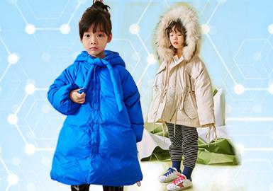 根据POP1~2月用户下载量TOP100女童棉羽绒数据分析,其中休闲风格占比较高占据第一(87%),日韩风格(8%)设计师风格(5%)为月内TOP100主要组成风格。在1月份图案元素整体占比有所下降,其中字母文字(8%)与动物(6%)为主要图案元素。工艺方面立体装饰类设计有所上升,其中立体手工装饰设计占比19%高于其他工艺。(数据截取于2月12日)