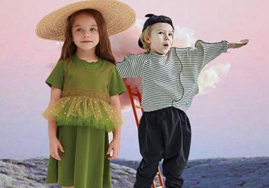 趣味而极具设计感觉的设计师风格品牌在当下受到更多设计师关注。相对国外品牌中国设计师更加注重款式裁剪变化、坚持细节和工艺并用,打造个性时尚造型,不断发挥想象,发掘服装设计的细微变化,给孩子们营造一个快乐的童年。