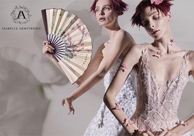 古典浪漫与现代 -- Isabelle Armstrong婚纱设计师品牌分析