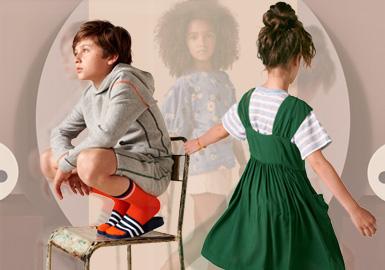 创建于1989年的欧美童装品牌Bellerose,一直致力于摆脱单调的可爱形象,设计师以复古服装、军服和工作服为设计灵感,创造属于自己的个性风格,以充满个性的混搭装扮和柔软舒适的面料赢得大众的喜爱,富有创意的混搭风格也让孩子们变得更加独特。
