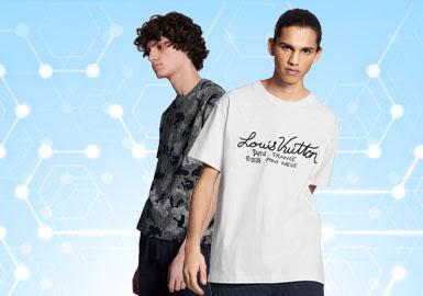 根据POP5月份用户下载量的TOP100男装T恤数据分析,时尚休闲风格占比相对较高,整体款式风格倾向微潮。款式结构上的变化较小,相比廓形结构而言更多的是注重细节上的处理,在辅料的选择上也更具有丰富性,织带、金属装饰、贴标等分别以多种方式呈现在设计当中。街头潮牌也不再是一味的追求视觉张力,而是更既注重品质感的营造。