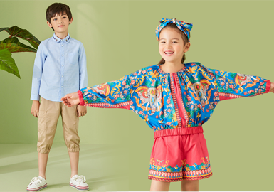 EP KIDS雅莹是隶属雅莹集团时尚童装品牌。在2020春夏季节,EP kids以花卉、国风民族等元素打造精致、潮流款式带来精致的民族时尚感觉。