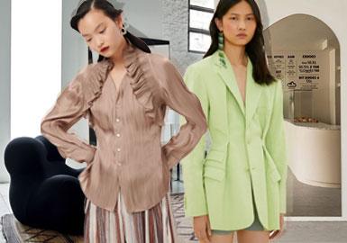 2020春夏中淑设计师品牌追求在舒适的状态下追求高级的美感,让消费者能够在忙碌中保持简洁、文雅的格调,打造简约而不简单的舒适腔调。推崇用简洁利落的廓形外观,利用解构层次、褶皱细节、量感体积、性感开叉等丰富各类单品的内在,色彩上整体以自然柔和色调为主呈现出舒适的视觉格调。