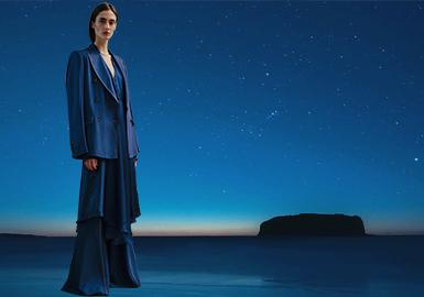 DIOR蓝--女装色彩趋势
